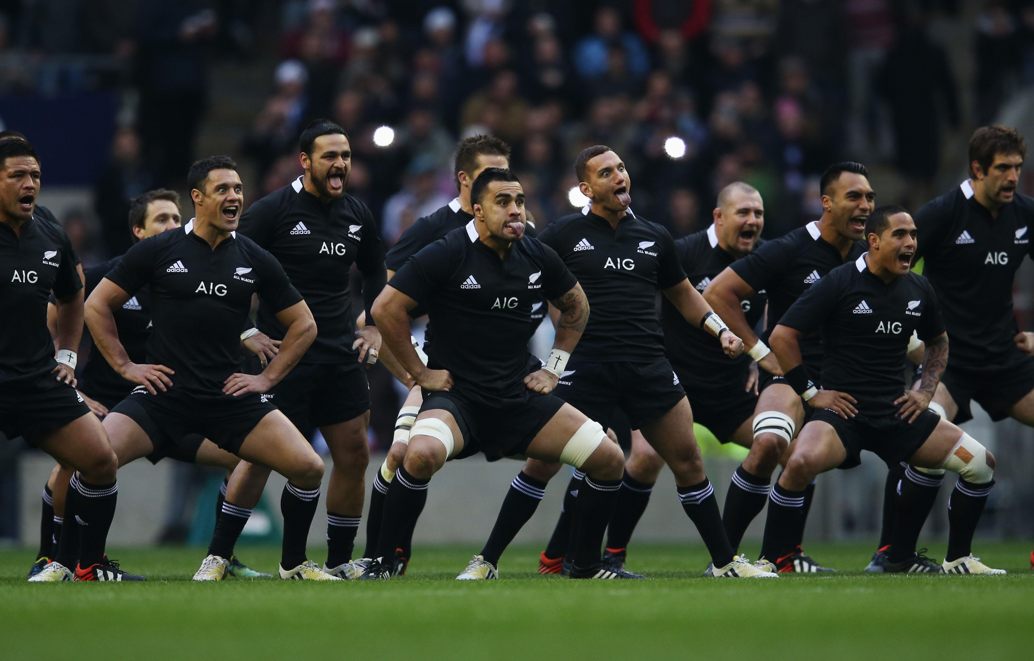 Rituálny bojový tanec Haka novozélandských rugbistov (rugby.co.nz)