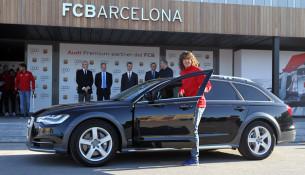 Hráči FC Barcelona dostali nové autá od sponzora AUDI (soccer.ru)