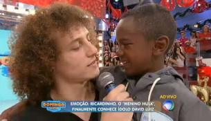 David Luiz splnil detský sen malému chlapcovi (entretenimento.r7.com)