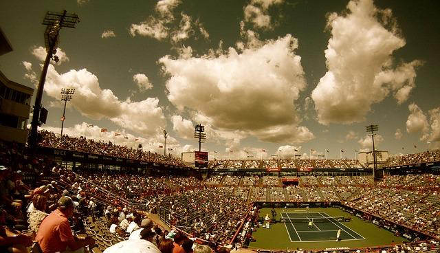 Pohľad na tenisový kurt (ontopofthebest.com)