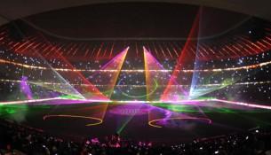Veľkolepá laserová šou Bayernu Mníchov v Allianz Aréne (tz.de)