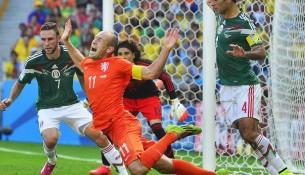 Arjen Robben takto nasimuloval pád v súperovej šestnástke (premierleague.cz)