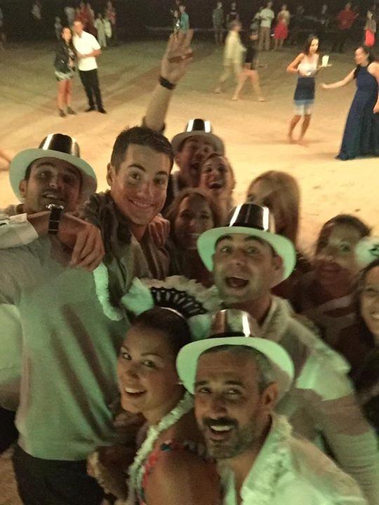 John Isner a jeho priatelia na pláži v Thajsku (sportowefakty.pl)