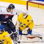 Matej Pailovič robil prievan pred švédskym brankárom (canada.com)