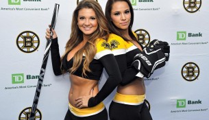 Boston Bruins Ice Girls 6 (si.com)