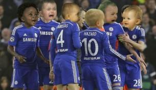 Hráči Chelsea s tvárami malých detí (twitter.com)