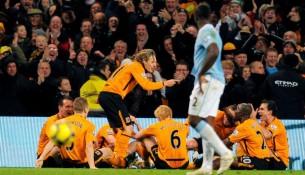 Oslava gólu futbalistov v zápase Stoke vs Manchester City (talksport.com)