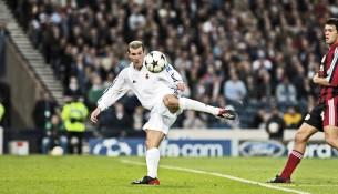 Zidanov volej vo finále proti Bayeru Leverkusen (ytimg.com)